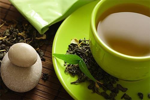 healthy foods green tea 512x342 - Οι τροφές που καταπολεμούν την κυτταρίτιδα
